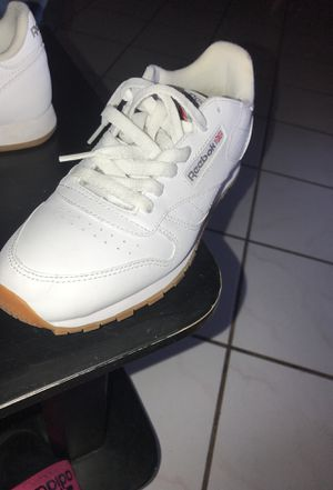Classic women Reebok leather shoes for Sale in Los Angeles, CA