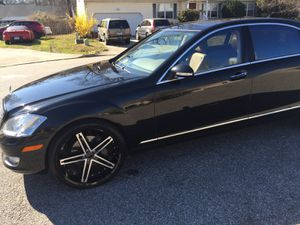 22 inch 5 star wheels and tires for Sale in Chesapeake, VA