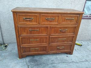 Dresser for Sale in San Bernardino, CA