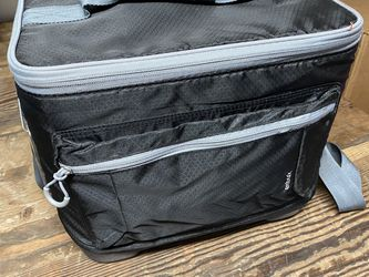 Cooler Bag for Sale in Bellevue,  WA