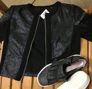 FREE JACKET AND SHOES WHEN YOUBUY CLOTHING BUNDLE for Sale in Philadelphia, PA
