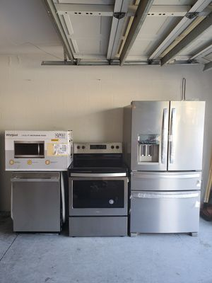 Brand new whirlpool appliance package.. stainless steel for Sale in Tampa, FL