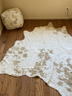World Market Cowhide Rug & Ottoman $150obo for Sale in Los Angeles,  CA