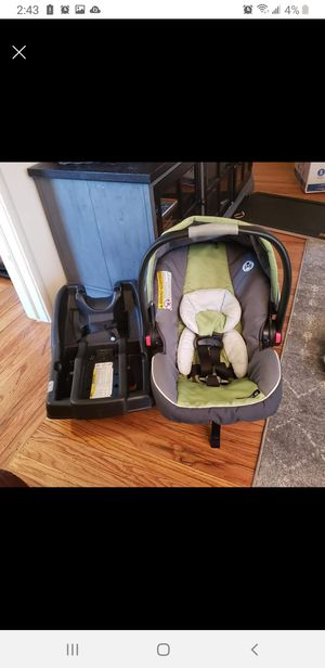 Graco car seat and base for Sale in San Leandro, CA