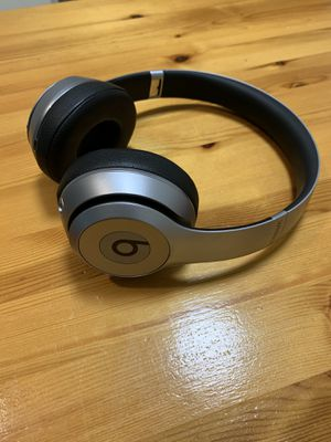 Beats Solo2 Wireless Heaphones - Great condition! for Sale in Carrboro, NC