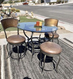 Iron, glass and leather breakfast dining table and Barstools ( FREE DELIVERY) for Sale in North Las Vegas, NV