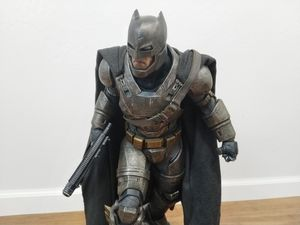 Sideshow Armored Batman Premium Format Figure - Exclusive No. 327/750 for Sale in Daly City, CA