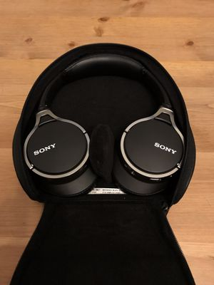 Sony MDR-10RNC Active Noise cancelling headphones for Sale in San Diego, CA