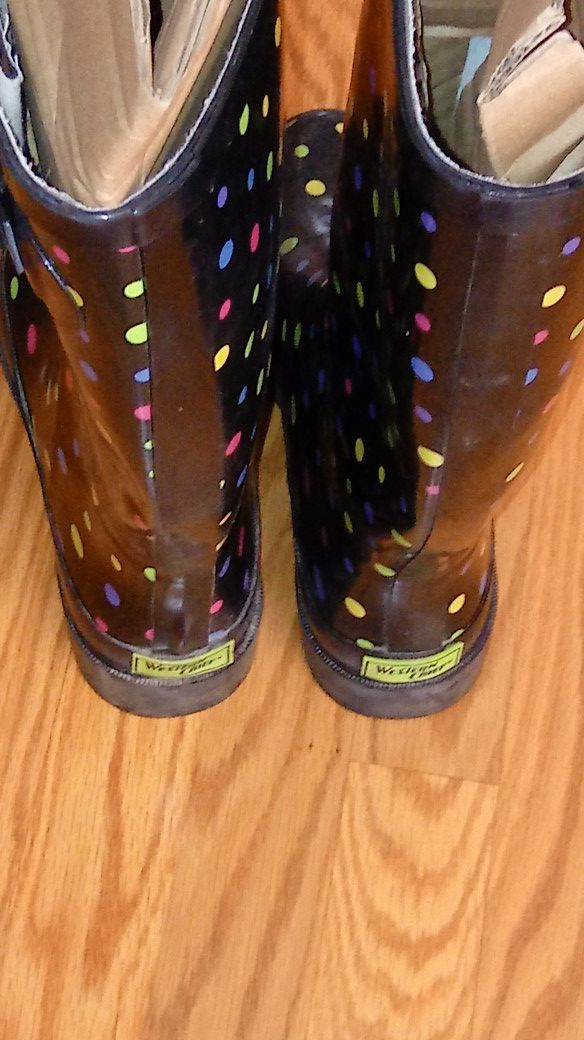 Western Chief ladies rain boots size 6.
