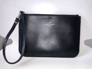 Kate Spade Leather Wristlet for Sale in Tampa, FL
