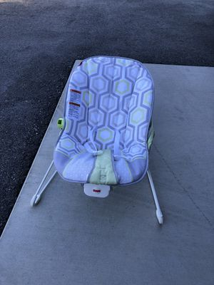 Fisher Price vibrating bouncy seat for Sale in Wenatchee, WA