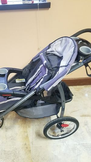Foldable jogging stroller for Sale in Atlanta, GA