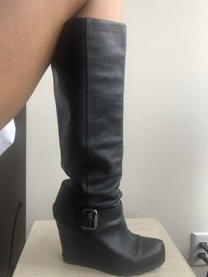 Vera wang Lavender Wedge Boot for Sale in Rockville, MD