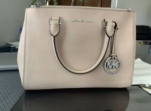 Michael kors for Sale in Canyon Lake, CA