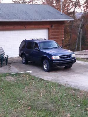 2000 ford explorer 4x4 awd 4 door has 189xxx miles. for Sale in Clendenin, WV