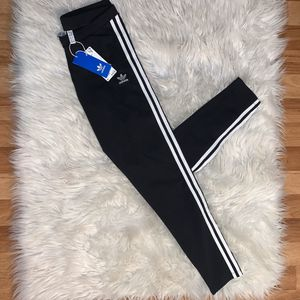 Brand new women's ADIDAS leggings for Sale in Long Beach, CA