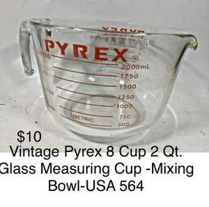 Large 2 Qt /8 cup PYREX glass ~Like new Measuring cup-Mixing bowl for Sale in Los Angeles, CA