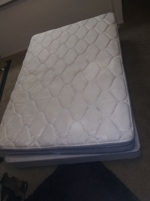 Queen bed for Sale in Anderson, CA