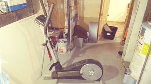 ProForm elliptical model 15.5 s like new Barely Used for Sale in Pleasant Prairie, WI