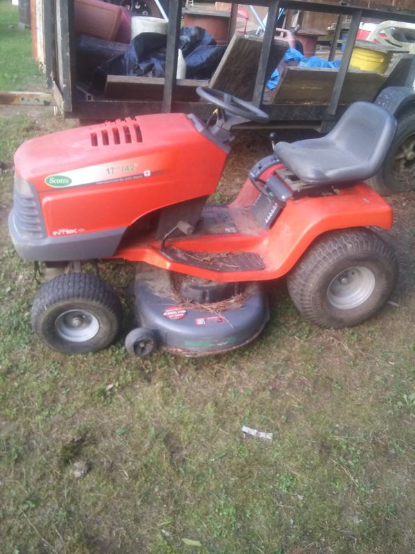 Scotts riding lawn mower
