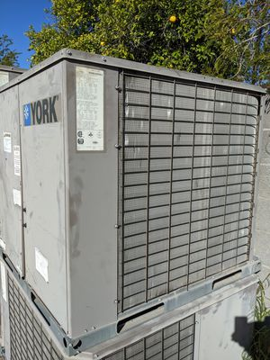 2011 YORK 4 TON AC PACKAGE UNIT COMMERCIAL R410A for Sale in Tempe, AZ