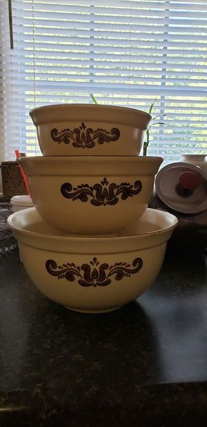 Pfaltzgraff mixing bowls and platter for Sale in Farmville, VA