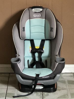 GRACO EXTENDED 2FIT CONVERTIBLE CAR SEAT for Sale in Riverside, CA