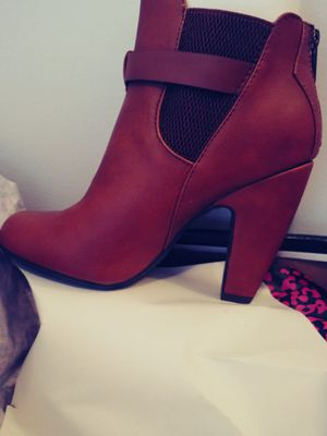 Dollhouse, Size 8, Brown/Tan Bootie for Sale in Accokeek, MD