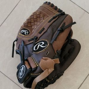Rowling's 10.5 teeball or single a little league Baseball Glove for Sale in Aliso Viejo, CA