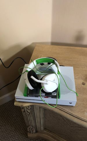 Xbox 1 s 1tb for Sale in Fort Lauderdale, FL