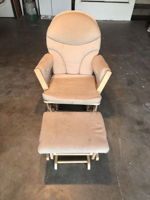Free rocking chair for Sale in Livermore, CA