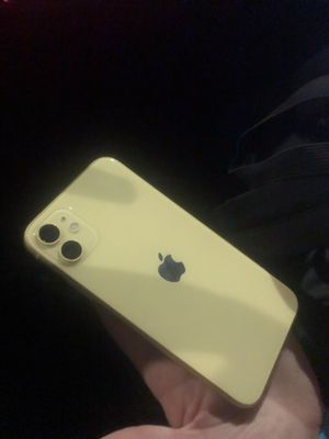 iphone 11 for Sale in Long Beach, CA