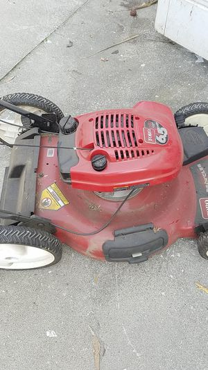 Toro Gas Lawn Mower for Sale in Los Angeles, CA