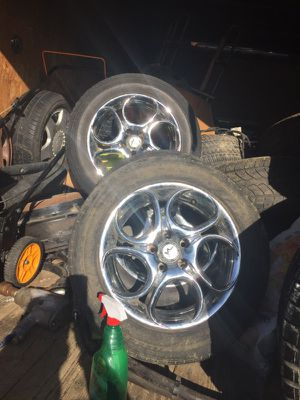Chrome rims like new and tires 195x65x15 for Sale in Columbus, OH