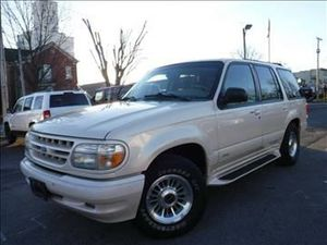 96 ford explore ONLY 1 OWNER before me bought brand new ONE WEEKEND ONLY 2500 for Sale in Pittsburgh, PA
