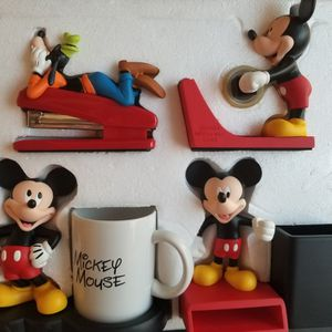 MICKEY AND FRIENDS DESK ORGANIZER KEEP YOUR OFFICE FUN! for Sale in Monrovia, CA