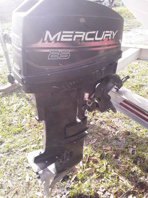 25cc mercury outboard enginen for Sale in Kissimmee, FL