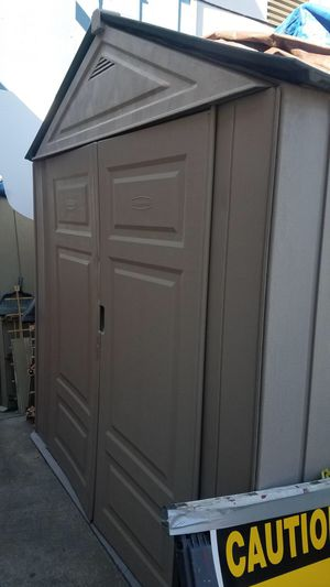 Rubbermaid 7x7 grey shed for Sale in Marina del Rey, CA