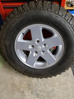Set of 4 BF Goodrich Mud terrain T/A KM 255/75/17 tires and rims for Sale in Frackville, PA