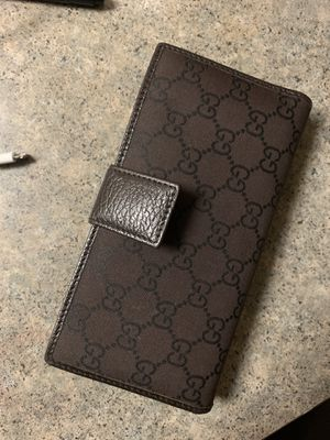 Gucci unisex wallet for Sale in Chula Vista, CA