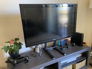 40 Inch LG HD TV for Sale in Belmont, CA