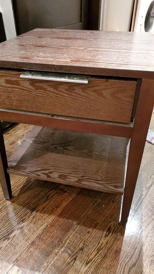 End table /night stand for Sale in Brooklyn, NY