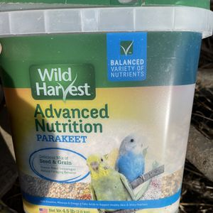 Parakeet Bird Seed 4.5lbs for Sale in Tulare, CA
