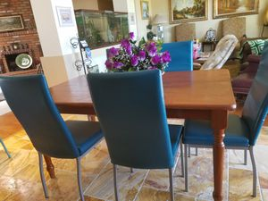 Kitchen table and Five chairs for Sale in Scottsdale, AZ