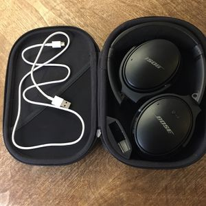 BOSE QuietComfort 35 Wireless Bluetooth Noise Cancelling Headphones—LIKE NEW Luxury Noise Cancellation for Sale in Denver, CO