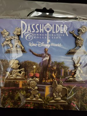 Disneyland WDW Passholder Commemorative Collection Bronze Gold Statues Trading Pin Set for Sale in Temple City, CA