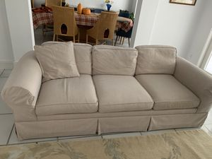 1 tab couch and 1 love seat for Sale in Miami, FL