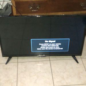 """32"""" insignia Tv for Sale in Lawrence, MA"""