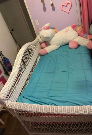 Wicker twin size day bed w / No Mattress for Sale in Ceres, CA