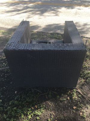 Wicker outdoor chair free for Sale in Miami, FL